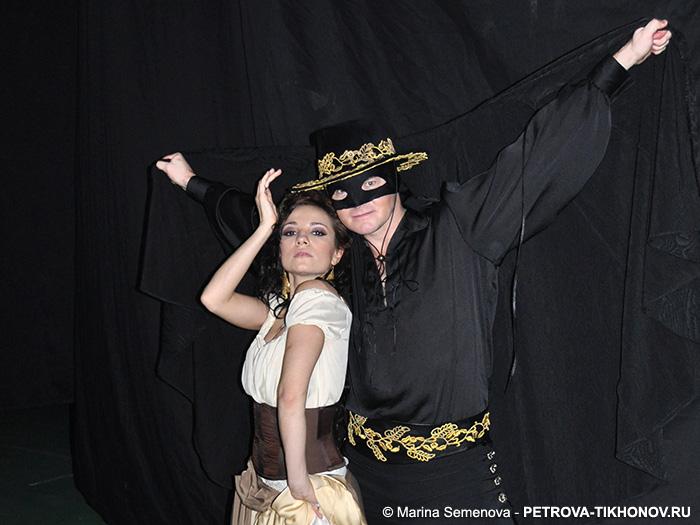 http://petrova-tikhonov.ru/gallery/gallery/photo/2010-2011/20101001_iceflame/20101103_Svetikova_Tikhonov_111.jpg